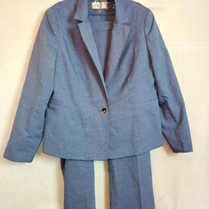 Le Suit size 16p new without tags